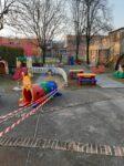 Il giardino con i giochi suddiviso nella zona grandi e piccoli
